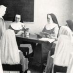 631 Nuestra Madre enseñando en el Noviciado