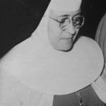 1158 Ella rezaba con fe