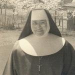 1953 N.M. en Japón con Mons. Tatsuo Doi
