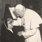 2225 Con el Papa 9 dic. 1980.jpg