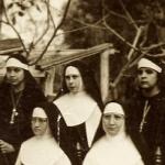 2233 1946 Xicotencatl con las primeras postulantes c.jpg