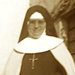 2452 1949 Frente a su celda casa madre.jpg
