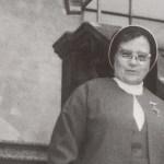 654 Con la Madre. Ma. de la Inmaculada 1976.jpg
